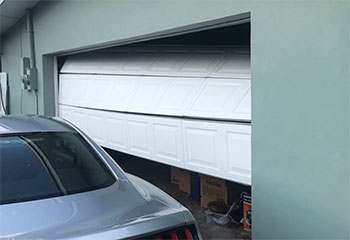 Garage Door Off Track | Aliso Viejo | Garage Door Repair Irvine, CA